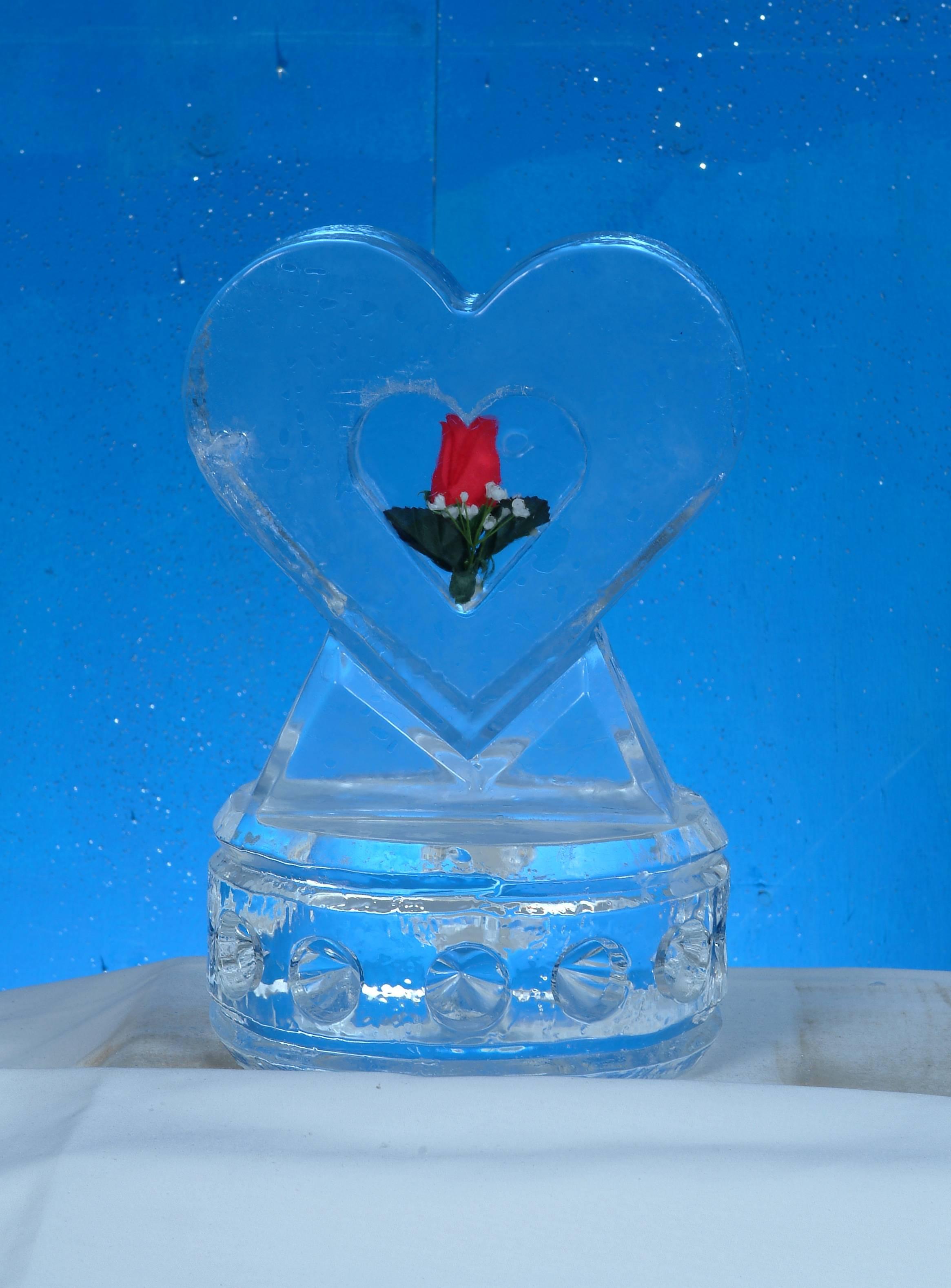 Single Rose Heart Centerpiece