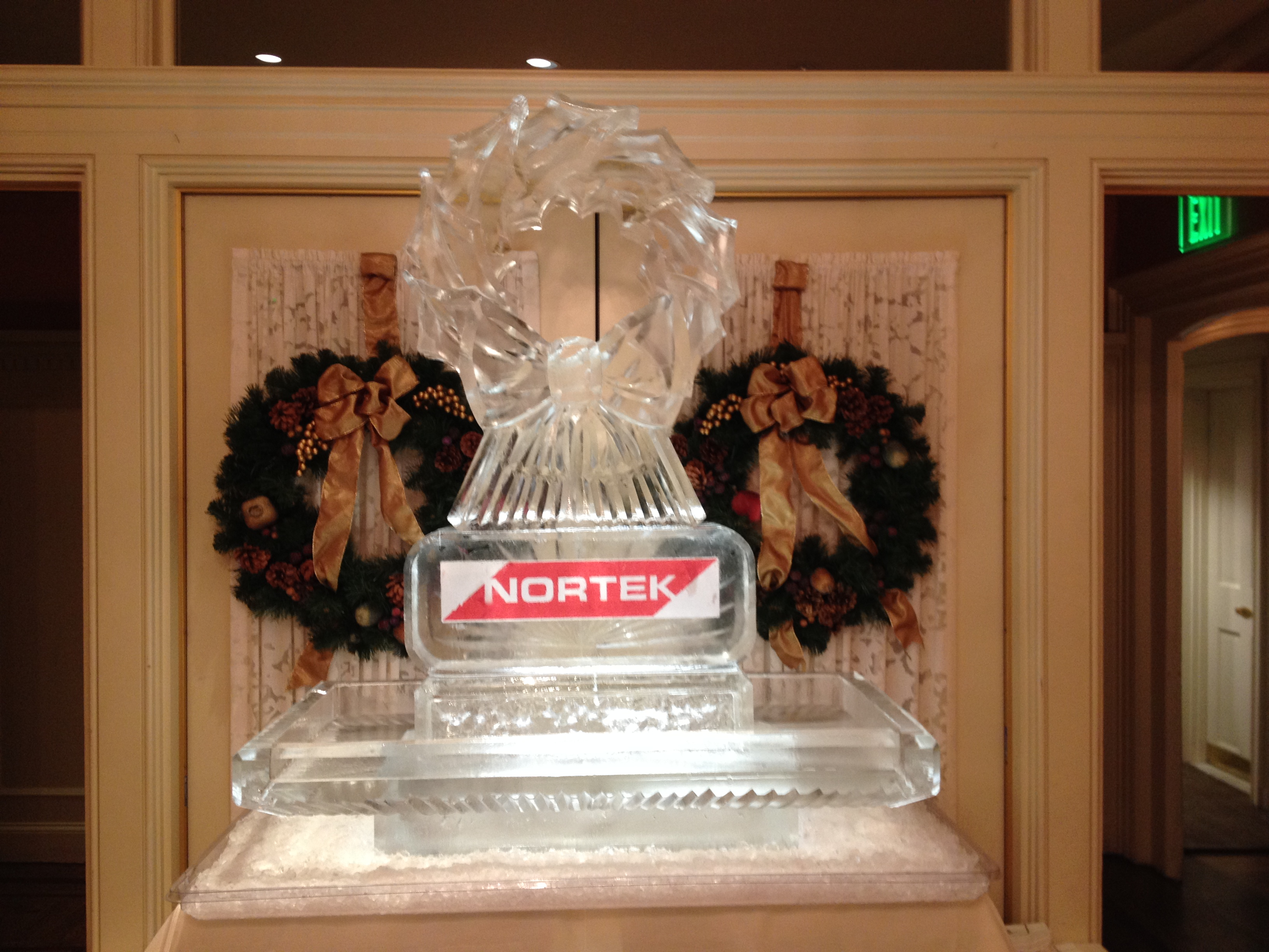Nortek Wreath Seafood Tray
