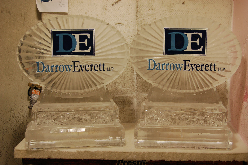 Darrow Everett Logo