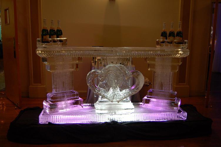 Interlocking Hearts Full Ice Bar